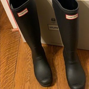 Hunter Boots- Black Matte!!
